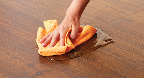 HOW TO CLEAN THE LAMINATE FLOOR